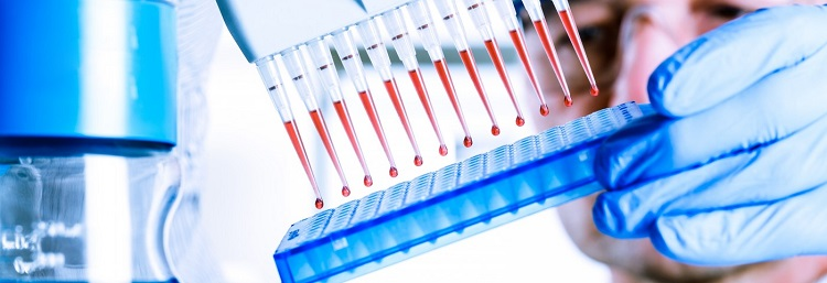 Пробирки с образцами крови на анализ